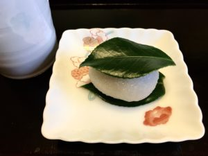 塩野の椿餅