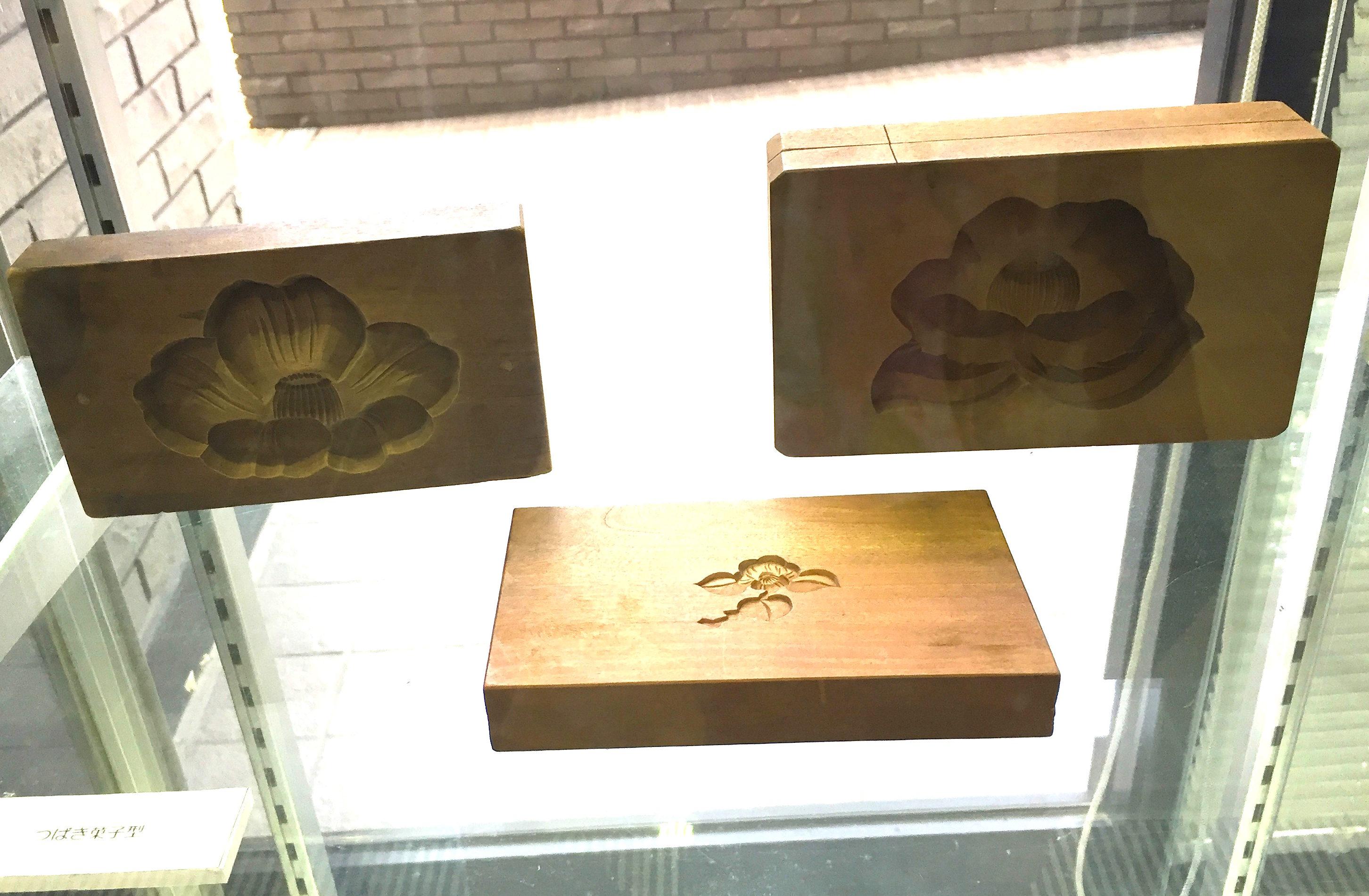 椿の菓子型
